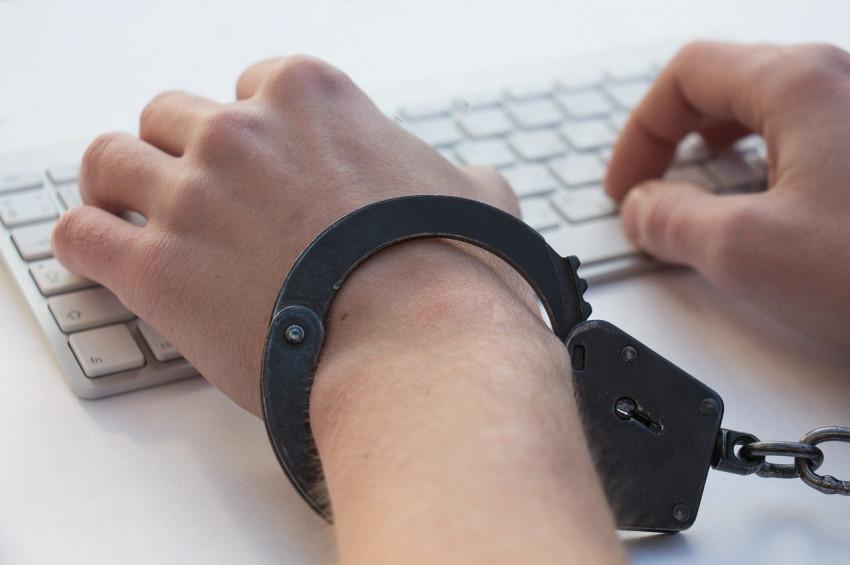 İnternet bağımlılığı kumar bağımlılığına dönüşebilir
