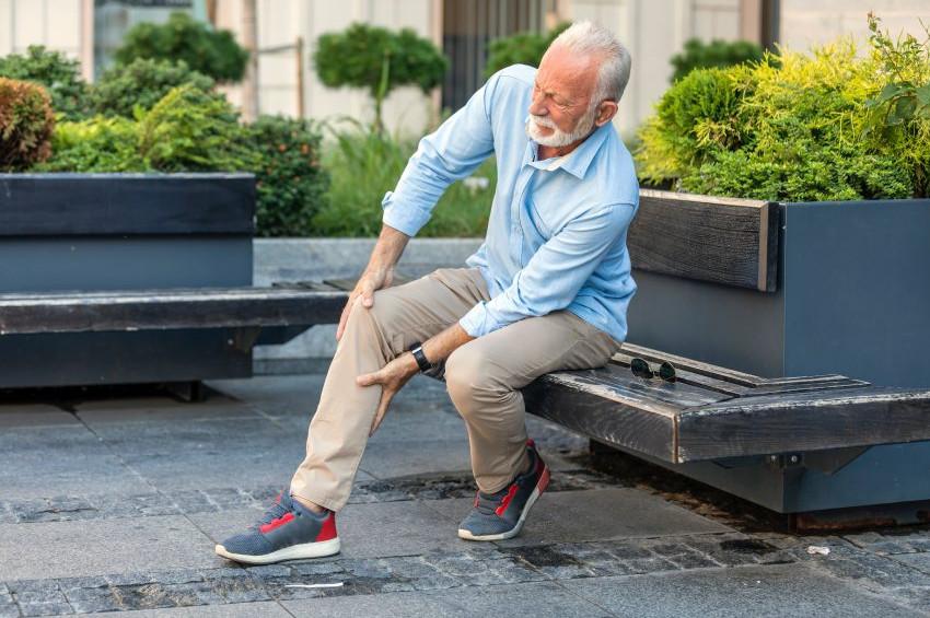 Vitrin hastalığının habercisi uzun süreli bacak ağrısı