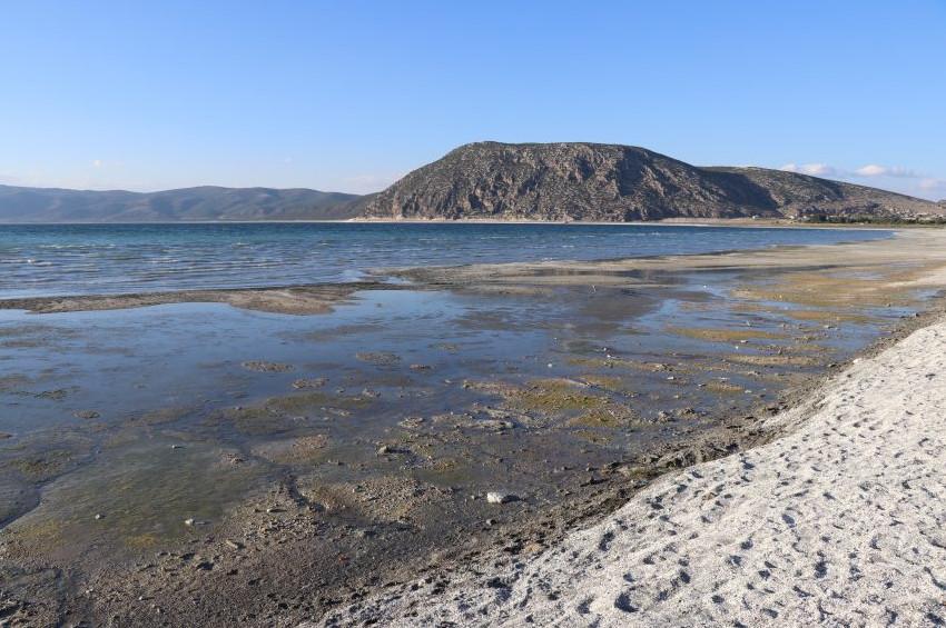 Salda Gölü neden sarardı?