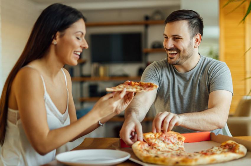 Yeni evlenen çiftlere kilo almamak için öneriler