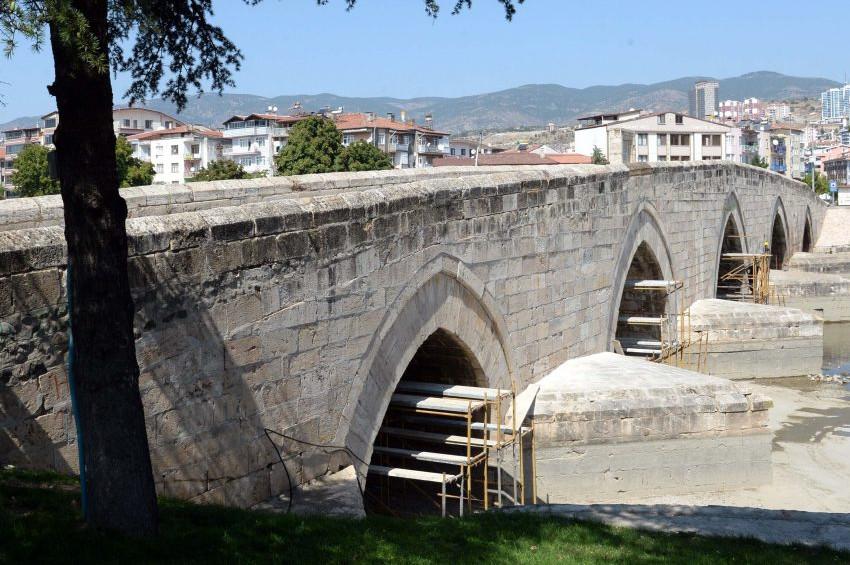 Selçuklu mirası Hıdırlık Köprüsü yeniden hizmete hazır