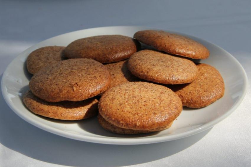 Kayısı çekirdeği ve duttan  bisküvi üretildi