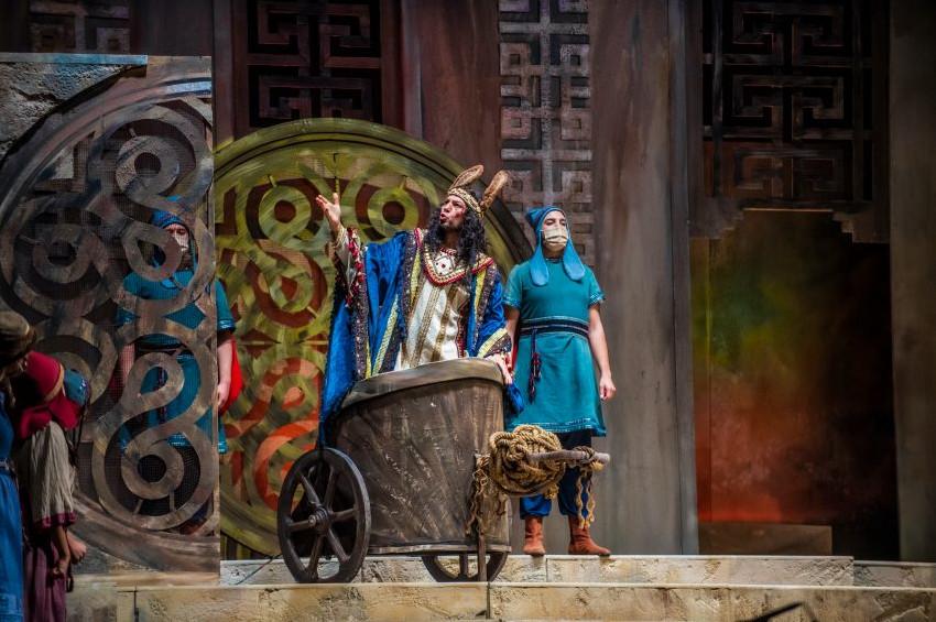 Midasın Kulakları operası Kral Midasın mekanında sergilendi