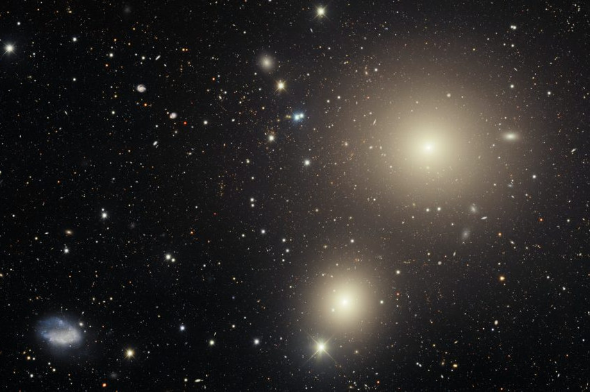 Ocak Takımyıldızının birbirini yakacak galaksileri