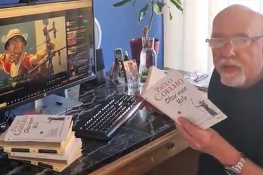 Paulo Coelho Okçunun Yolu kitabını Mete Gazoza adadı